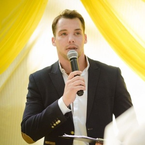 Евгений киноактёр ведущий мужчина свадьба юбилей корпоратив день рождения банкет