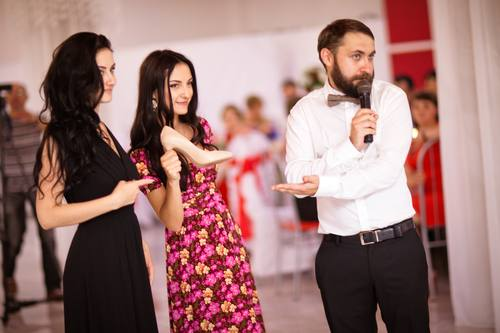 Ведущий тамада от 5000 рублей/вечер