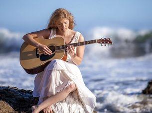 гитара девушка