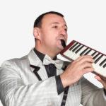 Яркий ведущий — на армянскую свадьбу, тамада на русском, армянском и украинском языках — Валерий.