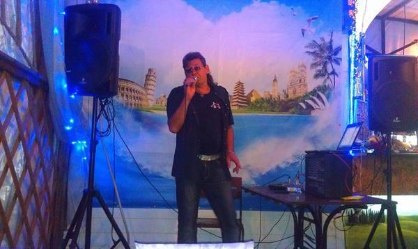 Вадим ведущий тамада музыкант певец дискотека свадьба юбилей день рождения корпоратив
