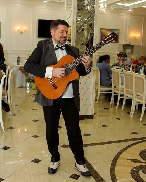 ведущий тамада диджей на юбилей день рождения Москва