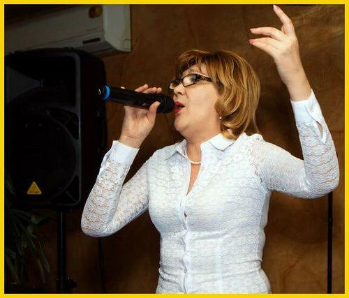 Мира - профессиональная певица и замечательная ведущая