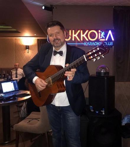 Гитарист Виталий Калашник