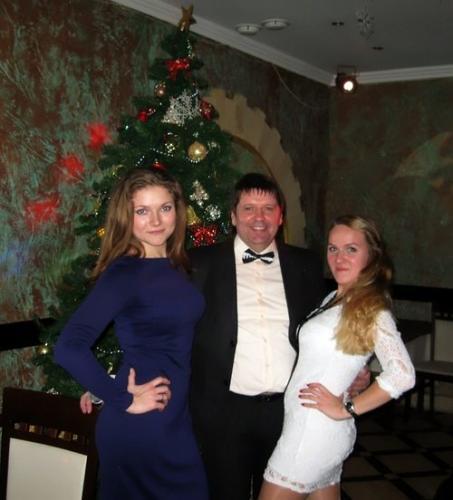 Ведущий Виталий Калашник новый год
